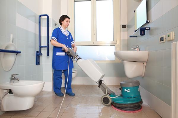 il Cigno - pulizia spogliatoi e bagni